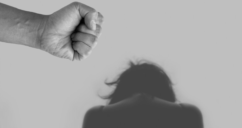Przemoc psychiczna i fizyczna w domu podczas koronawirusa